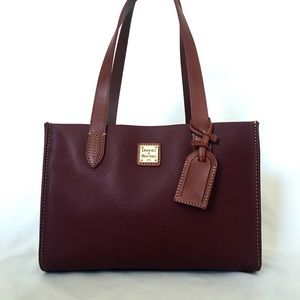 Dooney & Bourke purse 👜 PERFECT CONDITION! New